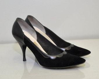 Vintage 50s Black Heels | Scalloped Stiletto | Town & Country | Size 5