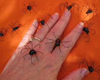 Handmade Black Widow Spiders, Black Widow Spider, Realistic Black Widows, Halloween Spiders, Spiders for Props Decor, Creepy Decor Spiders