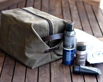 Waxed canvas dopp kit - Traveler bag - groomsman gift - Cosmetic bag - Waxed Canvas bag - dopp kit - personalized gift - for man