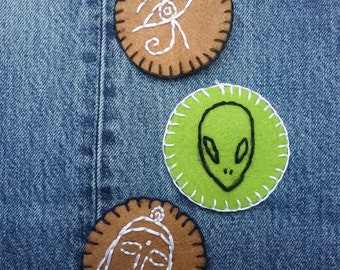 Alien Head Handmade Embroidery Patch, Hand stitched pin,