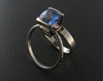 Solitaire Ring / Alternative Bride / Sapphire Ring / Engagement Ring / Right Hand Ring / Kinetic Ring / Alternative Wedding / Sapphire