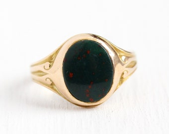 Antique Bloodstone Ring - 10k Rosy Yellow Gold 1.23 CT Gemstone Fine Jewelry - Vintage Edwardian 1910s Size 5 1/4 Green & Red Cabochon