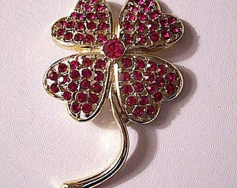Sarah Coventry Pink Fuchsia Heart Petal Flower Pin Brooch Gold Tone Vintage Austrian Glass Crystals Round Clear Faceted Long Curved Stem