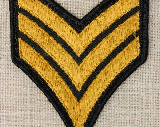 US Army Vintage Patch Sergeant Chevron SGT E-5 Uniform Sew on 7Z