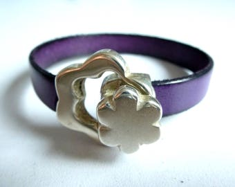 Purple Leather with flower clasp bracelet