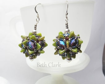 Cindy's beaded bead Earrings with spiky triangles