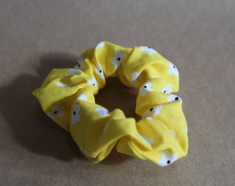 Yellow Daisy Scrunchie