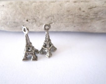 Set of 2 eiffel tower charms