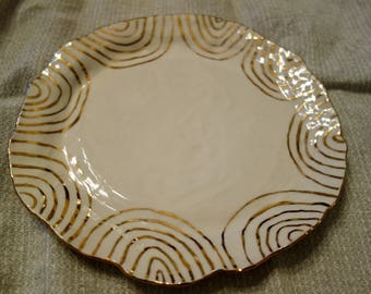 Plate with Gold Concentric Us, Large