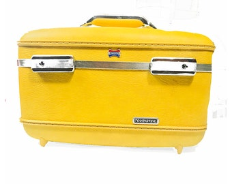 Vintage 1960s American Tourister Train Case in YELLOW!