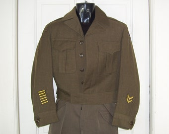 1947 Military Jacket Eisenhower w/ patches Ike WW II Jacket Dated Vintage Militaria Wool Army Uniform Eisenhower Jacket Adult Men Man 36S