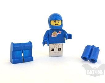 Lego minifigure usb 8/16/32/64GB - Memory Stick - Lego® original Minifigure - Vintage Benny Classic Blue Spaceman - Lego usb with legs cap