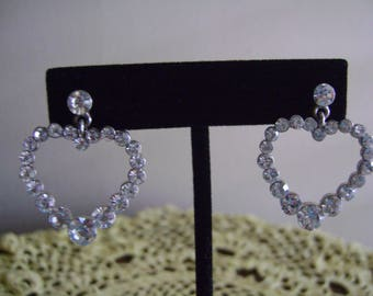 Rhinestones Pierced Heart Shape Earrings