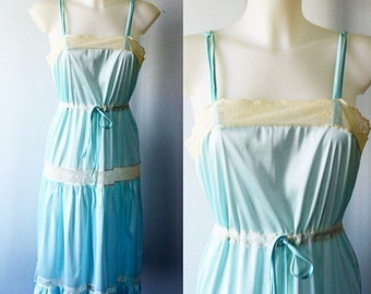 Vintage Nightgown, Vintage Lingerie, 1970s Nightgown, Pale Blue Nightgown, Nightgowns