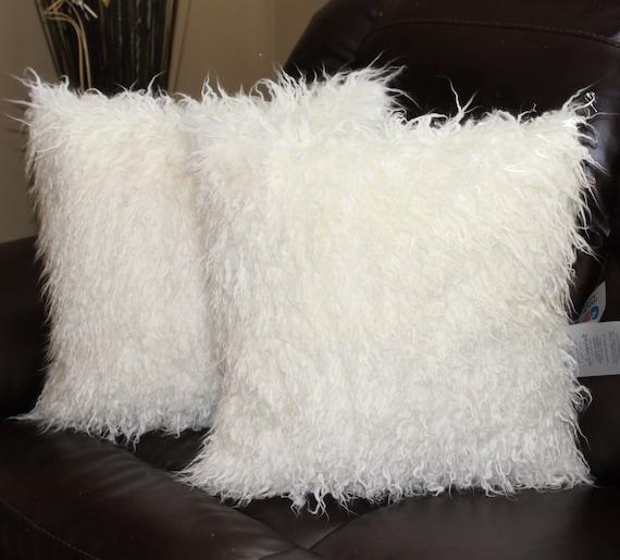 fausse fourrure fris e coussins blanc mongol couverture 18 x. Black Bedroom Furniture Sets. Home Design Ideas