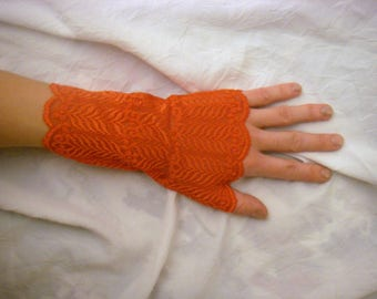 Lace fingerless gloves red, elegant and comfortable