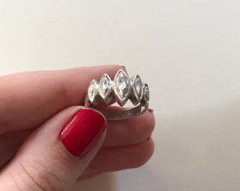 Vintage 925 Sterling Silver Relief Band Ring