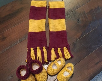 Twin scarfs and shoes set, wizard prop, magic, red and yellow, gold and maroon, slip on baby shoes, sorcerer baby set, twin photo props