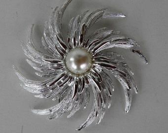 Vintage Sarah Coventry Pinwheel Brooch #6886