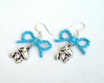 Cute doggy and bow earrings Dog lovers' earrings Blue bow earrings Animal earrings with beaded bow Beadwork blue earrings E1157
