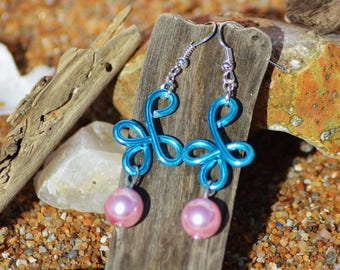 aluminum wire and pink and turquoise bead earrings