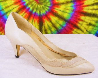 8.5-9 vintage 80's tan leather Nine West lizard print heels pumps shoes narrow
