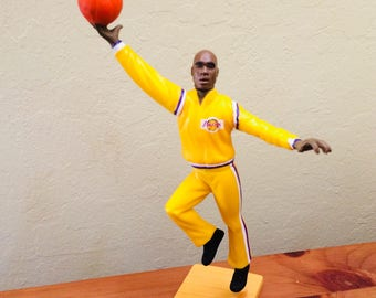 Shaquille O'Neal Basketball Figurine, LA Lakers 34 Shaq Figure