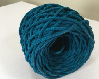 T-shirt Yarn, Dark Teal from Upcycled cotton T-shirt