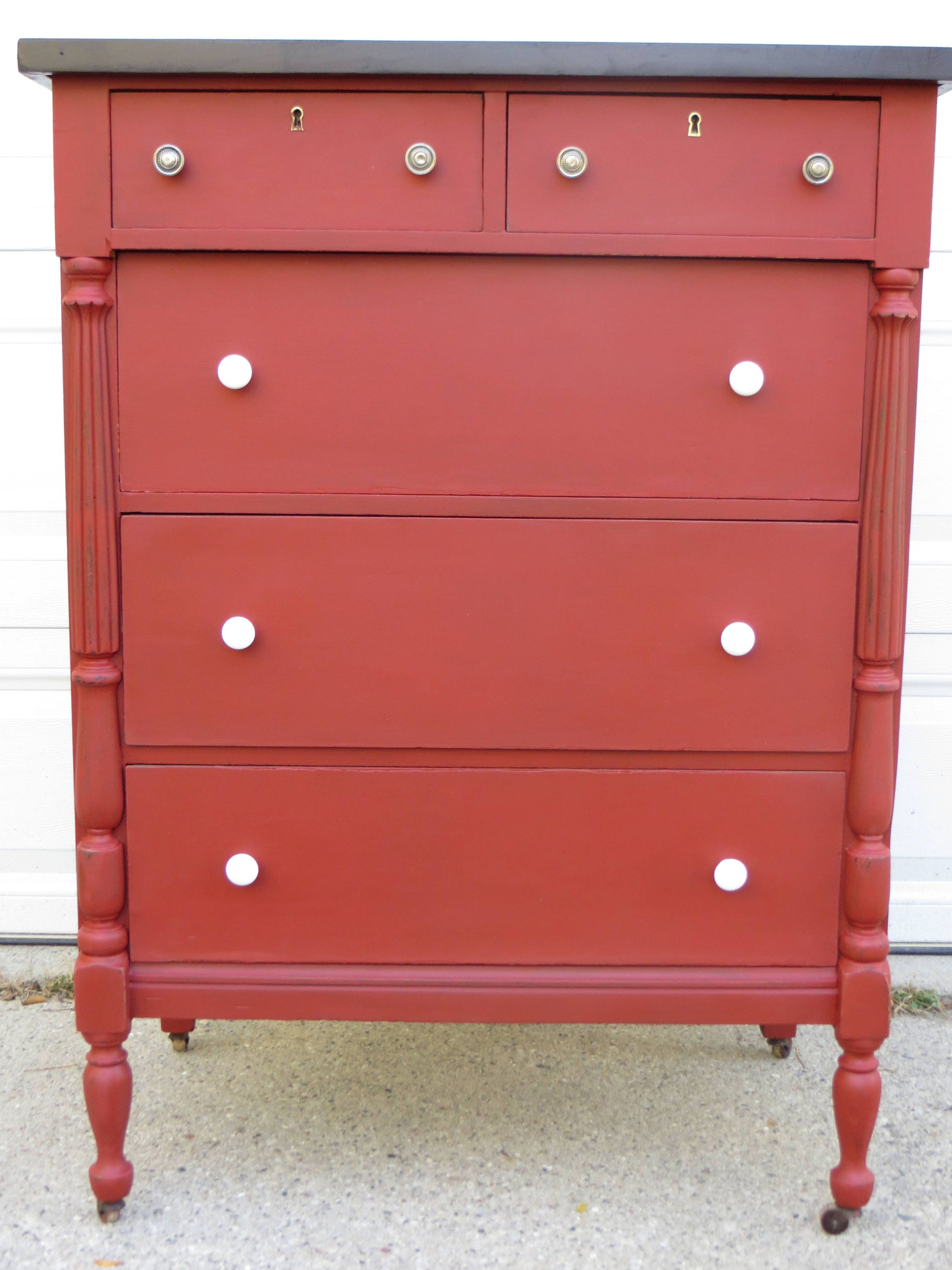 item drawers oxide hepplewhite antique drawer four birch chest red detail of stained american