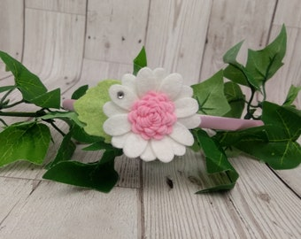 Felt flower hairband, daisy headband, girls alice band, white and pink, pretty little fascinator, gifts for girls, cute hair accessories, UK