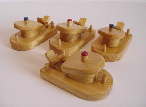 Wood Toy Small Paddle Boat Set Of 4 Rubber Band Powered
