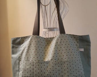 Laminated cotton fabric tote bag