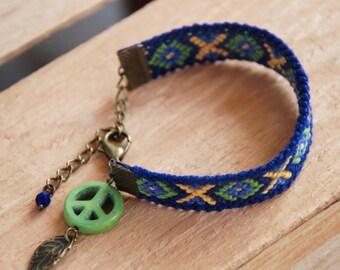 Nomadic Jewelry, Ethnic Green Dream Catcher, Southwestern geo bracelet, Peace sign charm, Woven cotton kaleidoscope, Tribal native indian