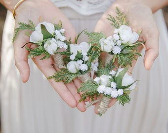 rustic wedding boutonniere // wedding boutonniere, woodland wedding boutonniere, white ivory boutonniere, mens buttonhole, boho