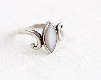 Mother of Pearl Ring Size 7 .5 Vintage Southwestern White Marquise MOP Elegant Ring