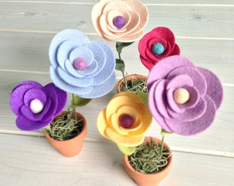 Mini flower pot of felt flowers/ Set of 3