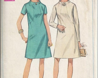 Simplicity 7807 Sewing Pattern from 1968 A-Line Dress with front seam interest, round neckline, Bust 39