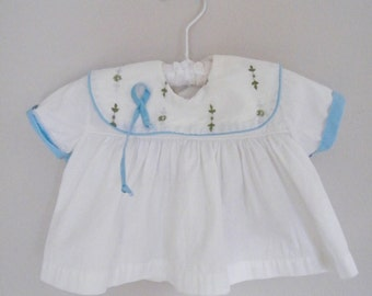 Vintage 1950s Baby Shirt / White and Blue