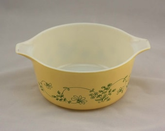 Shenandoah Pyrex Bake-Serve-Store Casserole Dish - Light Yellow with Green Flowers - Medium 1.5 Liters #474-B