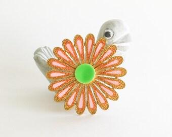 Happy Daisy Brooch Pin