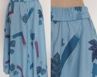 1970's Leaf Print Cotton Polyester Full Skirt Size Medium Large by Maeberry Vintage