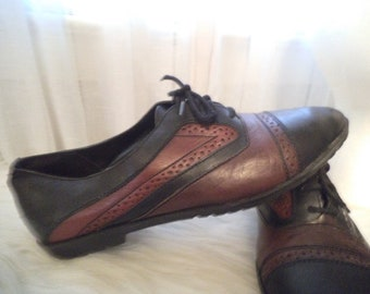 Vintage Burgandy and Black Oxfords ~ Retro Lace up flats ~ Indie ~ Hipster ~ Jordache  Size 8
