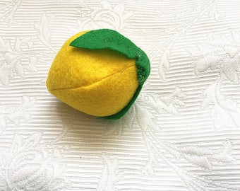 Felt lemon toy--Toy fruit Lemon--Felt play food---children's Pretend play toys--Plush fruits--one felt lemon