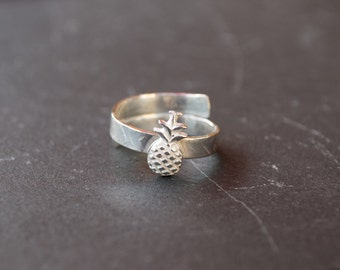 Pineapple ring | sterling silver ring | adjustable ring | wide band | unique ring | modern jewelry | fruit ring | pineapple | simple ring |