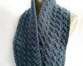 Infinity winter scarf. Co...