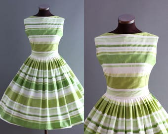 1950s Style Green and White Striped Print Full Pleated Skirt Cotton Dress