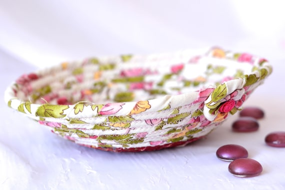 Shabby Chic Hostess Gift, Ring Dish Bowl, Handmade Makeup Organizer, English Garden Floral Basket, Key Holder, Artisan Quilted Bowl