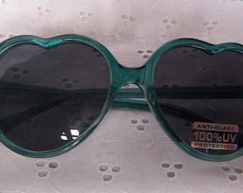 1980s Vintage Retro Kawaii Kitsch Style Green Transparent Lolita Heart Shaped Sunglasses