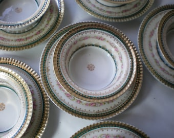 Antique Set of 8 Vintage Porcelain H & Co. Heinrich Bavaria Selb Germany Teal and Pink with Gold Desert Bowls with Underplates