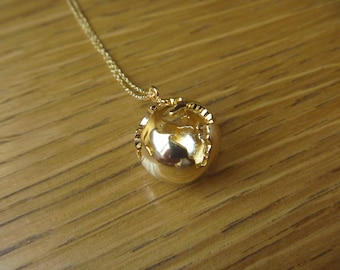 globe necklace